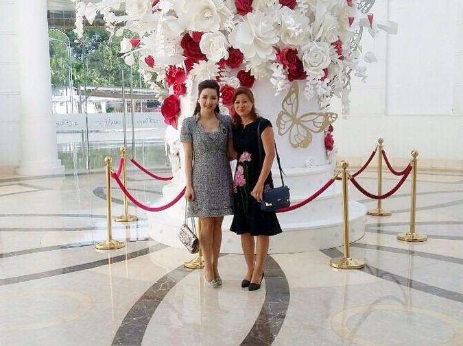 Hoa hậu Giáng My và Bảo Thoa, nhà thiết kế Monna.